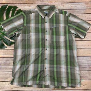 Columbia men's green and gray omni-shade shirt